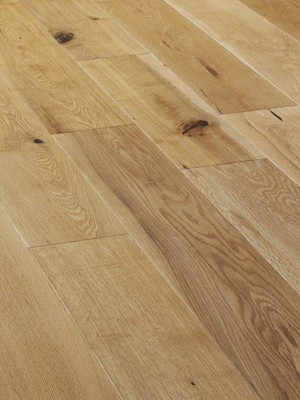 V4EP101 Oak Rustic Brushed & UV Oiled