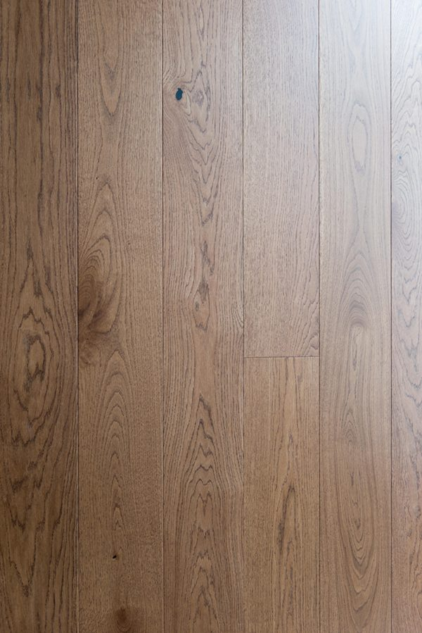 V4HC102 Abinger, Brushed Stained & Lacquered